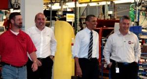 Nella foto d'archivio: l'ingegnere Pino con il Presidente Obama, in visita presso lo stabilimento Jeep di Toledo (OH) il 3 giugno 2011